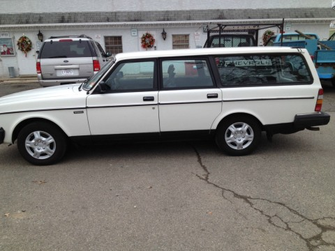 1989 Volvo 240 DL wagon for sale