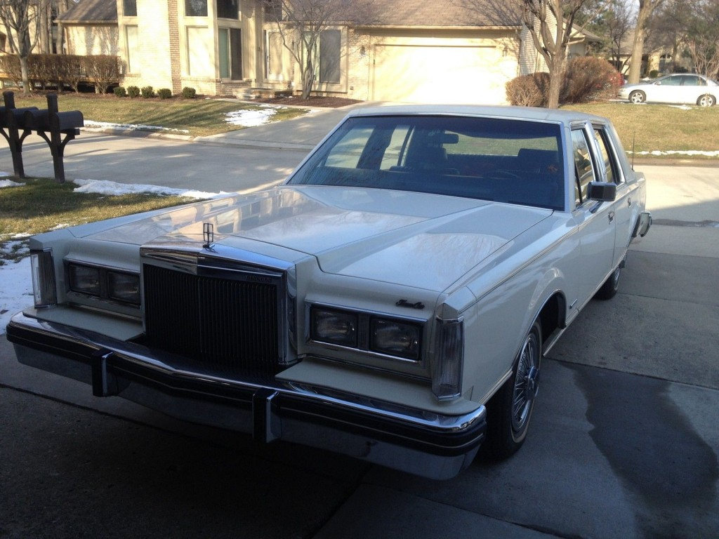 1982 lincoln town car for sale. Black Bedroom Furniture Sets. Home Design Ideas