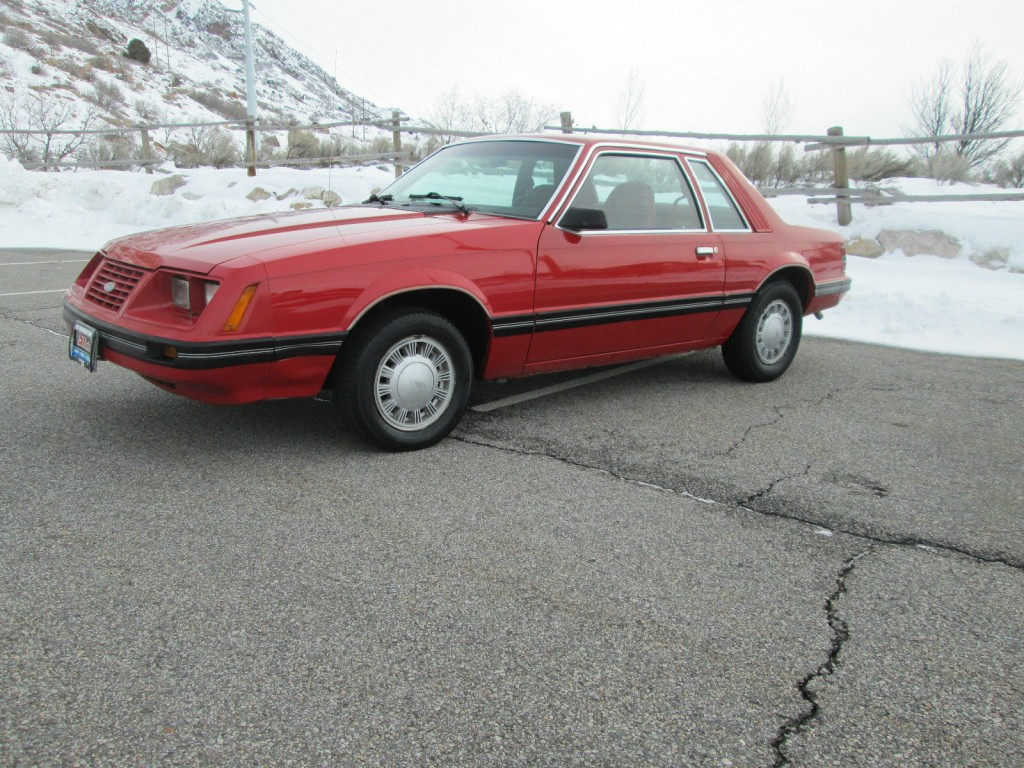 1984 ford mustang l notchback