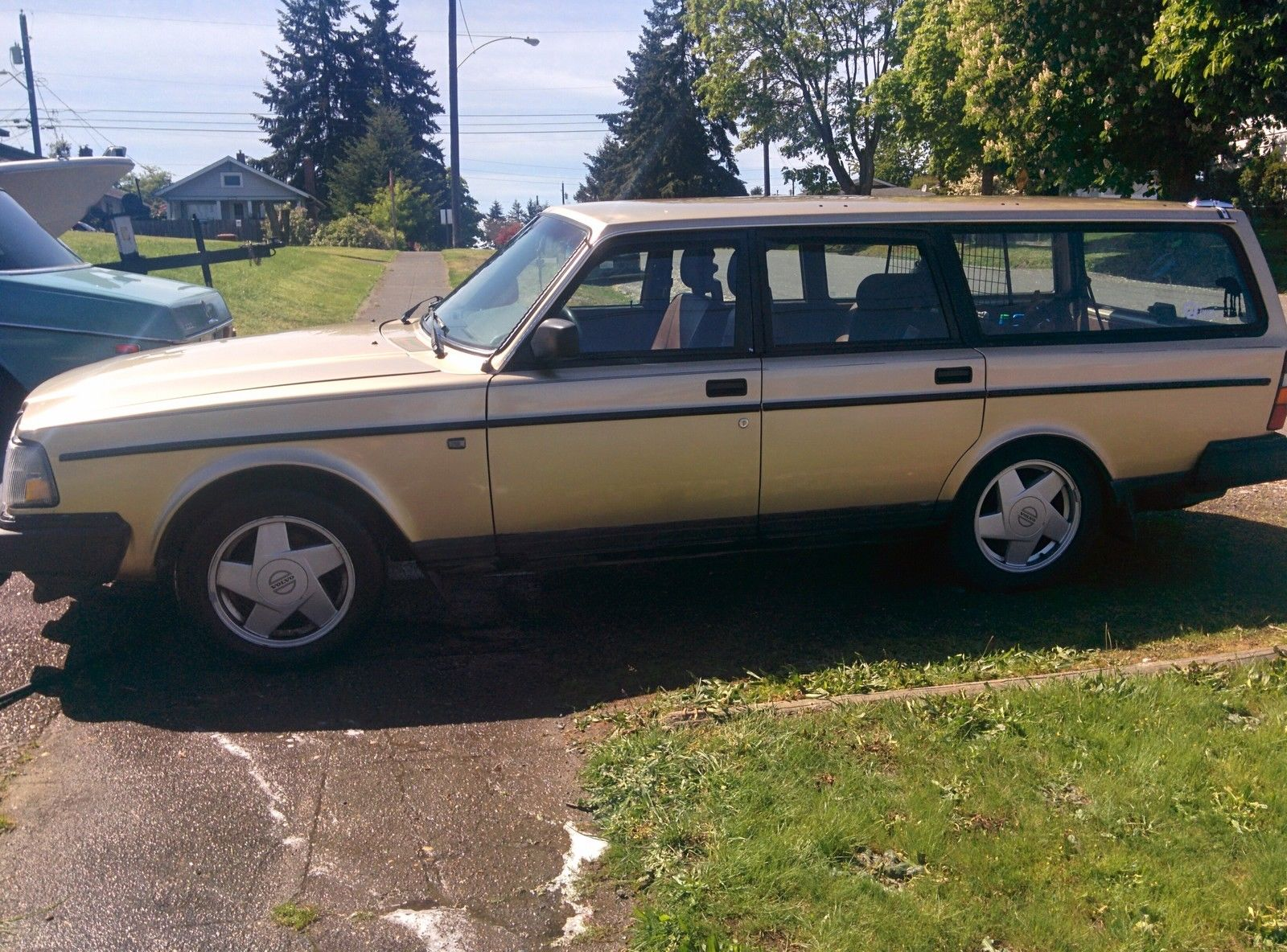 1988 Volvo 240 DL Wagon 2.3L for sale