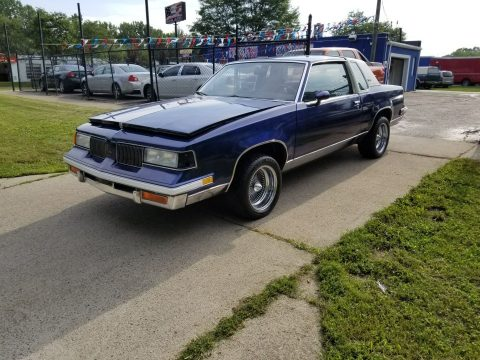 Old school 1987 Oldsmobile Cutlass for sale