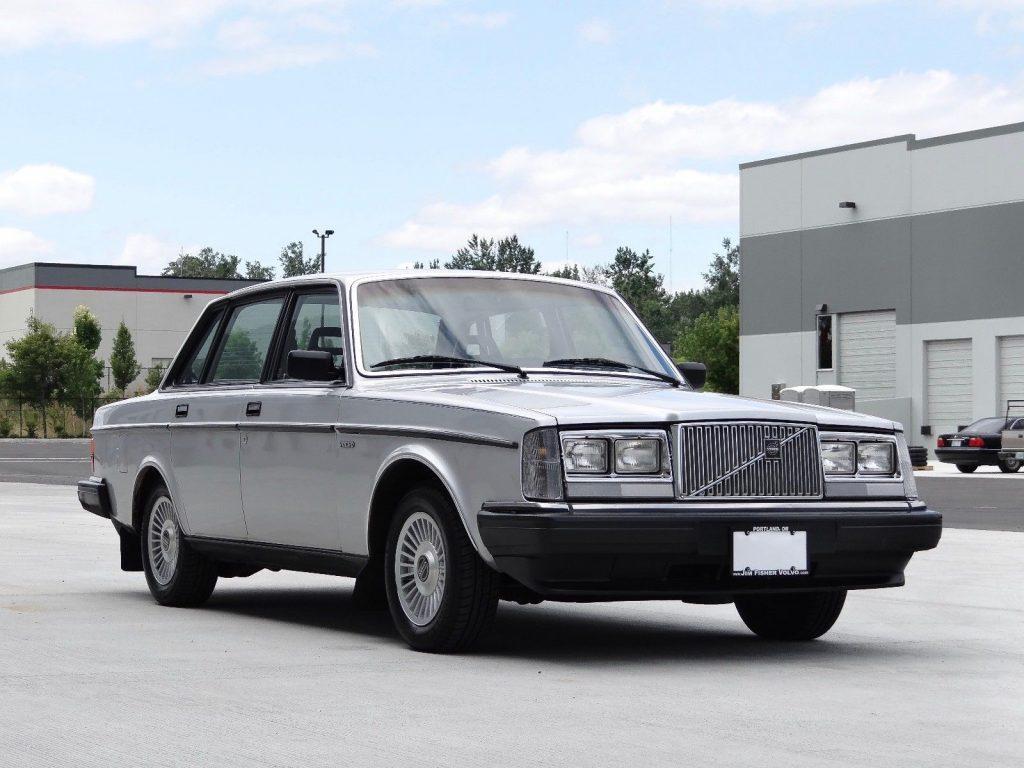 1984 Volvo 240 GL Sedan