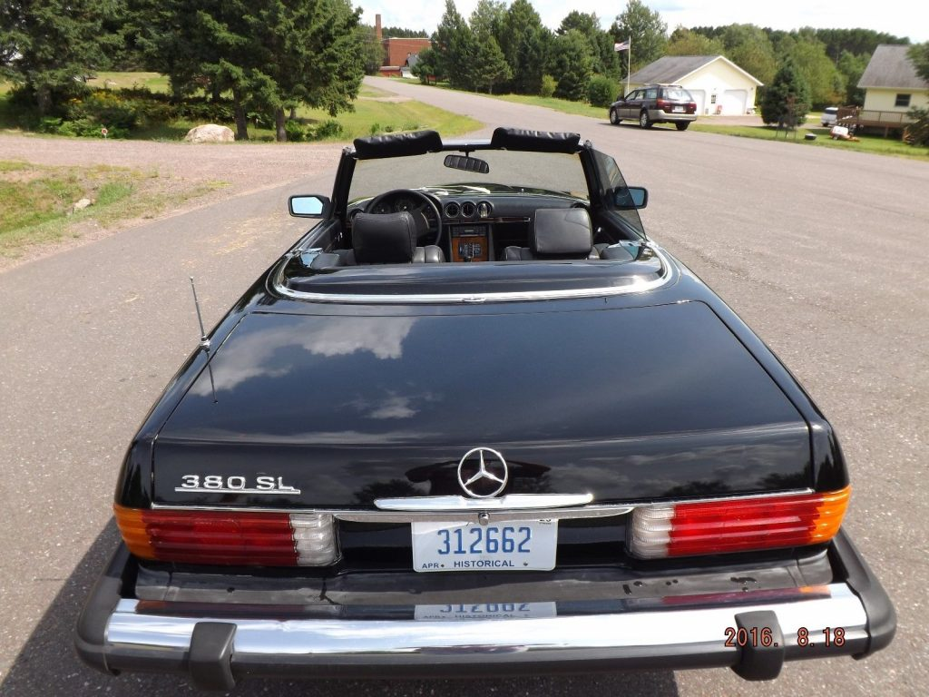 1981 Mercedes Benz 300 Series in very nice condition