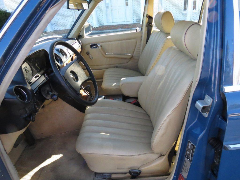 NICE 1982 Mercedes Benz 200 Series 240D