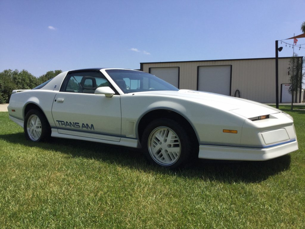 1984 Pontiac Trans Am Anniversary Edition Ricaro – in show room condition!