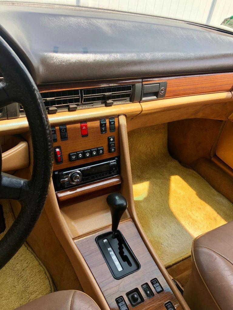NICE 1987 Mercedes Benz 300 Series SDL