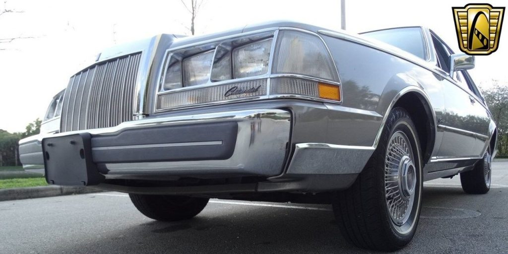 1987 Lincoln Continental Sedan